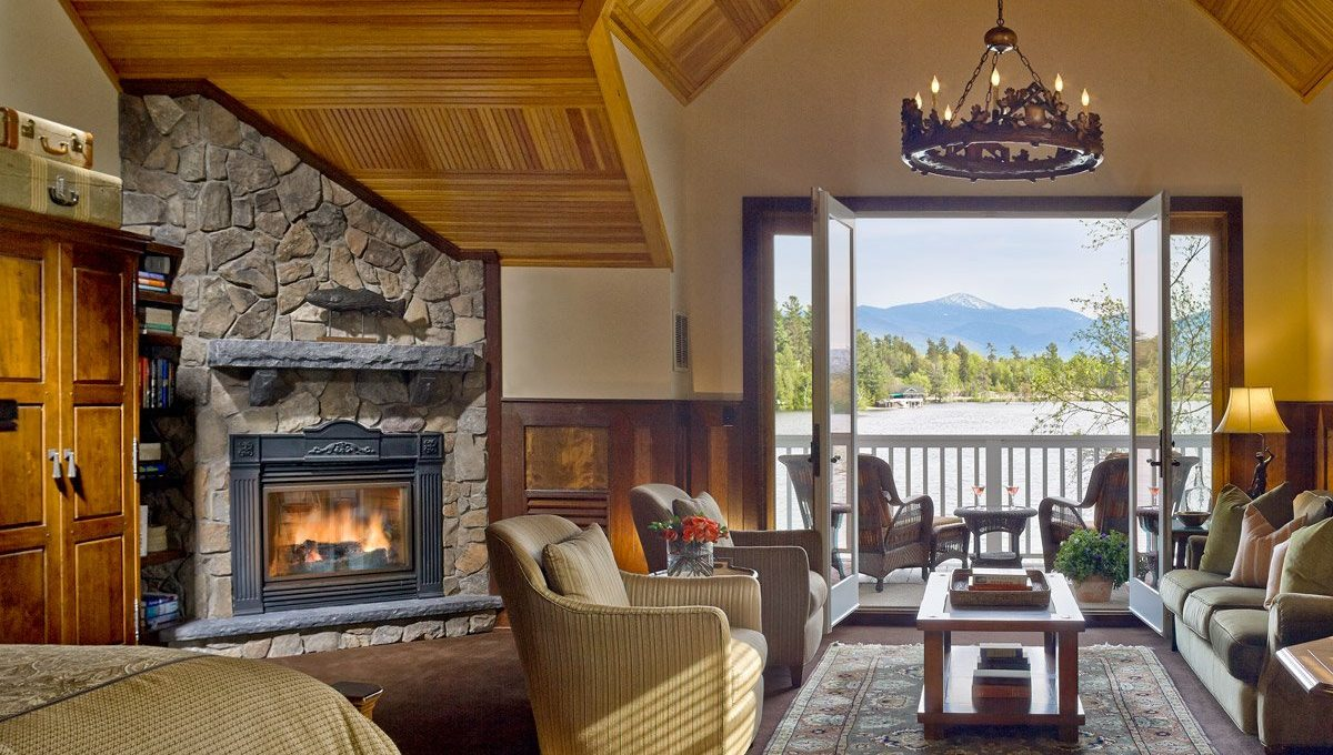 Large suite with fireplace view of lake