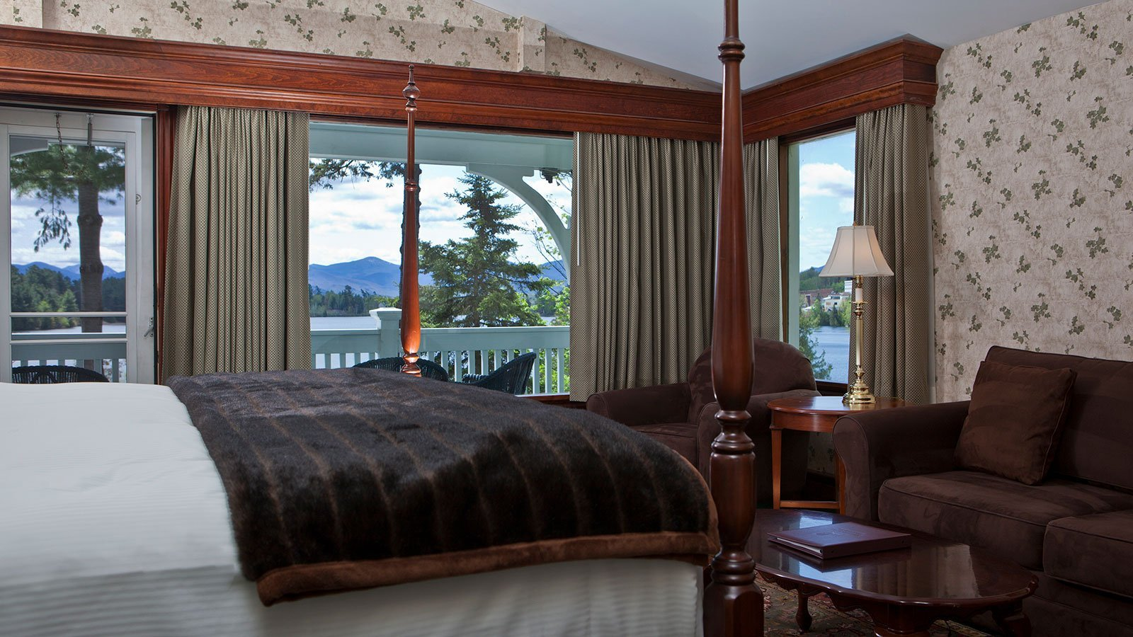 Four-poster bed with a view
