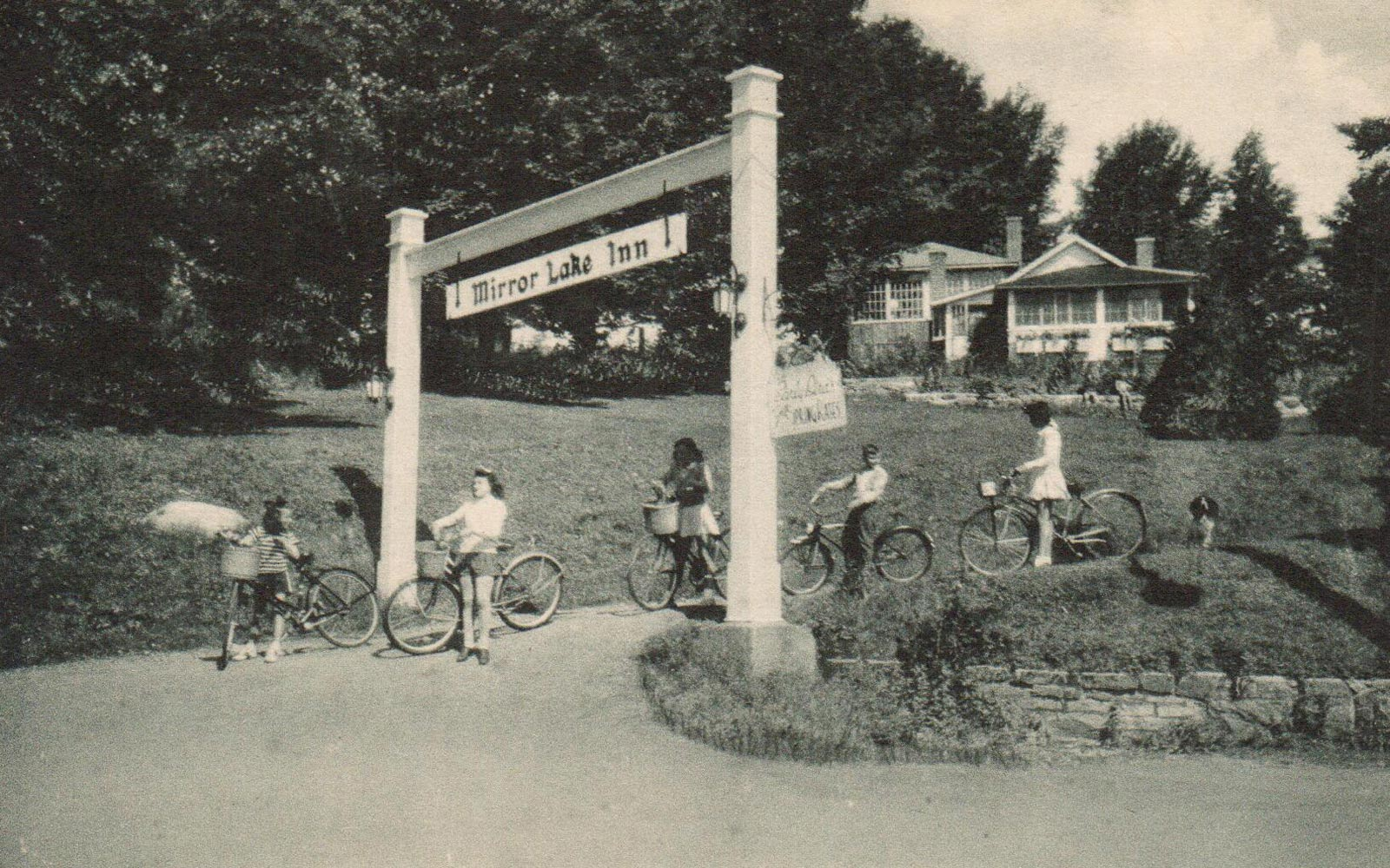 Ladies biking at Mirror Lake Inn