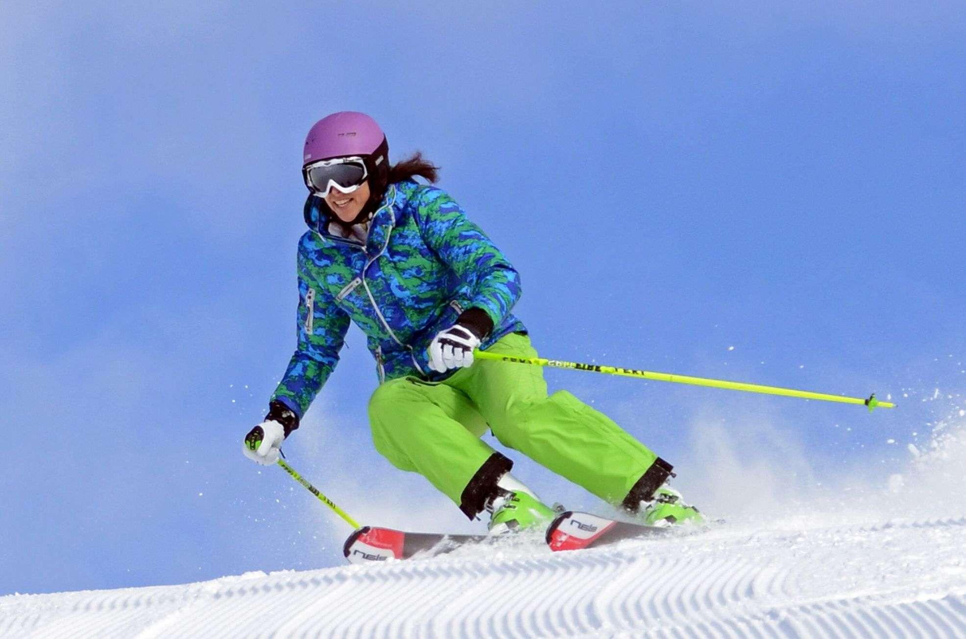 Lisa Ballard skiing