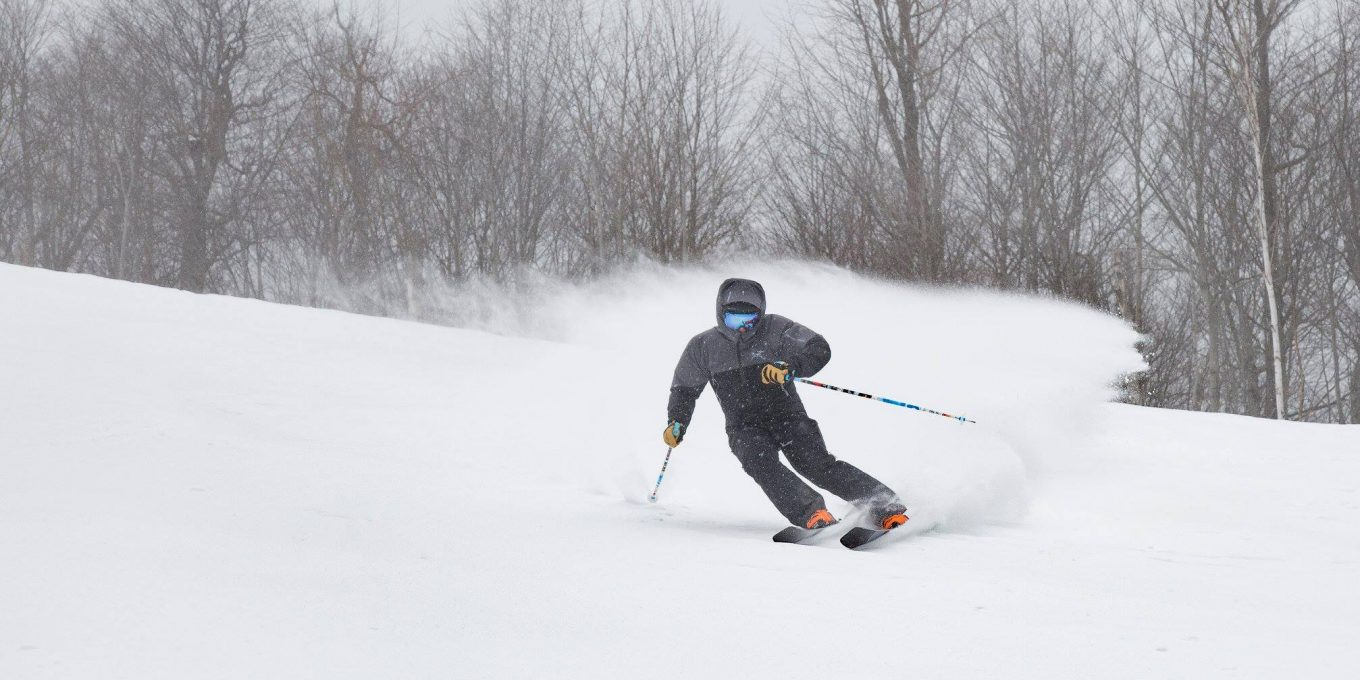 Skier arcing a turn on Whiteface Mountain